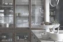DECOR - Cabinets