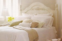 Cozy Cottage / Casual fabrics, soft colors and lots of comfort.