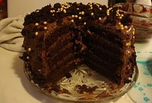 Cakes: Layer / Stacked Cakes