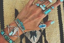 accessories for days. / Beautiful jewelry and accessories.
