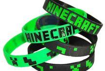 minecraft party m / by Hęłłå G