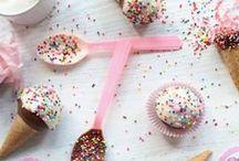 CakePops & other Pops  ♥ / Cake Pops / and other treats on sticks.