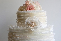 Couture Cakes / Photos of awesome (and couture) cakes!