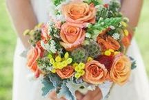 Wedding Flowers and Decor / by Gianna Louise