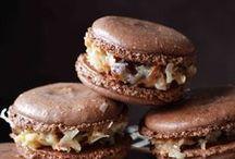 macarons / Son la cosa más enana, cara, siútica, dulce y deliciosa del mundo! ME ENCANTAN...LOS AMO!  / by Isabel Margarita Gómez