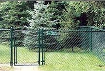 Chain Link Fences / Are you looking to secure a large property at a low price? Then a chain link fence is likely the best option for you!