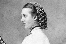 Victorian Hairnets / Mid-Victorian hairnet fashions  www.southernserendipity.etsy.com, www.hollysheen.blogspot.com