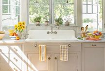 Kitchen / by Stephanie Braithwait