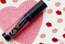 Lipgloss Kisses Blog
