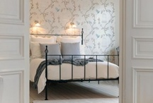 Floral Wallpapers in the Bedroom