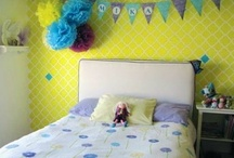 Colourful Wallpapers for Kids' Room