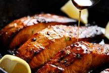 SEAFOOD / Tasty easy seafood recipes. Love fish then make sure to follow this board! Here you'll see recipes for salmon, shrimps, scallops etc.