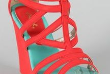 Womens Shoes / Shop womens shoes from a stunning collection of most gorgeous shoes available online.