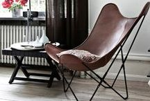 {Styling: Butterfly (B.K.F.) Chair} / The B.K.F. chair is named after its three designers, the architects Antonio Bonet, Juan Kurchan und Jorge Ferrari-Hardoy. It is also known as the Hardoy Chair, Butterfly Chair, Wing Chair, Safari Chair or Sling Chair.