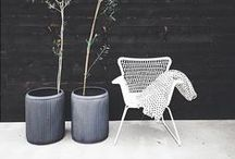 {Styling: Ikea Högsten} / This outdoor armchair by Ikea is quite versatile and suits many different interior styles.