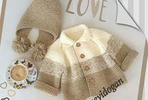 Saquitos de bebé tejidos / Hechos en crochet y dos agujas