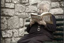 Libreria / Esistono storie che vanno raccontate, e poi raccontate di nuovo, e ancora e ancora....