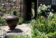 GARDEN: COURTYARDS / The place where the landscape all comes together.  / by Dee Nash