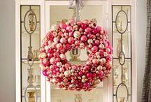 HOLIDAYS: SHINY BRITE CHRISTMAS / CHRISTMAS CELEBRATED WITH SHINY BRITE ORNAMENTS