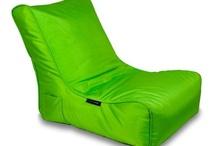Est-ce VERT-itable ? / L'herbe est verte, les feuilles peuvent l'être aussi...  mais que diriez-vous d'un appareil photo, d'une machine Nespresso ou mieux, d'un téléviseur LCD de couleur verte ? Si vous trouvez que votre habitat manque de vert, venez pas ici :)