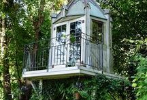 Tree houses / I've wanted one ever since I was a girl, and now my kiddos would love to have one! Also, I still want one...