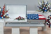 Patriotic Funeral Inspiration / Want to honor the patriot, veteran, or service member in your life? Here are a few funeral stationery themes and floral arrangements to give you inspiration.