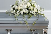 White Funeral Inspiration / Here are a few white-colored funeral stationery themes and floral arrangements to give you inspiration.