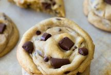 Sweet Tooth / Cakes, cookies, brownies, and other tasty sweets. / by Kelly Boich