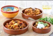Peulvruchten met vlees / Peulvruchten zijn goede vleesvervangers maar worden ook vaak in combinatie met vlees gegeten! Zoals een heerlijke chili con carne of burrito met kip.
