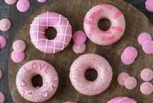 Food - Donuts / Donuts are one of my favorite treat for a sweet breakfast