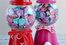 HOLIDAYS- Valentine's Day / Cards, Crafts, Treats & Decor for Valentine's Day!