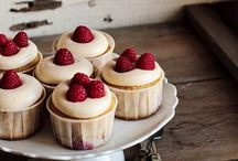 Cupcakes' Ideas / Loads and lots of cupcakes! Ideas on how to frost them, recipes and presentation!
