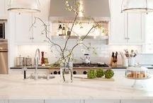 Kitchens / by Wallis Ronchetti-Morris