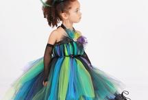 Costumes, Dress-Up and Facepaint / by Amanda M Stevenson