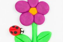 Kids Crafts & Activities / Looking for crafts and activities to do with your children? Here are some great kids craft and activity options from around the web