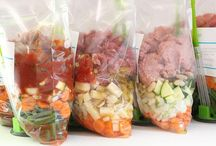 Freezer Meals / If I could get my head around planning these meals, I'm sure freezer meals would help with my dinnertime organization a ton