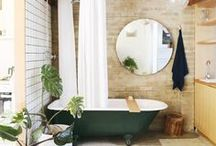Bathe and Decor / by Eliz Sarobhasa