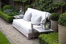 garden & landscape design / Landscape design - concrete pavers, natural wood, white flowers, gravel, stone, planters and more ...