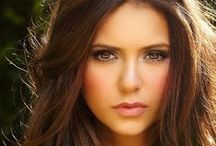 Hair & Make-Up / by Kaitlyn Estrada