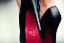 I love shoes / by Odái GM