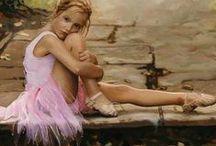 Ballet / Danser, c'est ... Pour répandre la beauté et la joie de l'art dans lequel l'expression humaine est la plus belle ... À la capacité superbe et le potentiel illimité du corps humain ... Pour rendre hommage à la danseuse en chacun de nous. / by Judy Morris