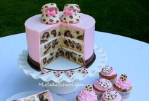 Cakes, Cupcakes & Cookies/ Decorating / by Kristen Mitchell