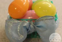 Easter / Easter crafts, Easter recipes and family activities like Easter egg decorating, and Easter party ideas.
