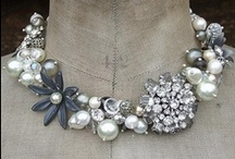 style - vintage jewelry. / by Jessica Clayton