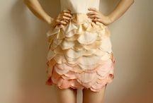 Vestidos para bodas / Los #vestidos para #boda que más nos gustan. Si tienes una #boda que se aproxima, este board te inspirará.