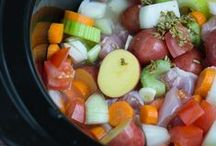 Slow Cooker Everything / Cooking food and drinks in the slow cooker or crock pot saves so much time and hassle! Slow cook all of the things!