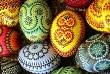 Huevos decorados - Painted and decorated eggs