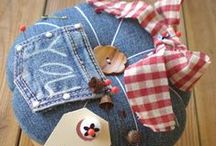 Pin Cushions and Sewing Baskets / by Donna Neer