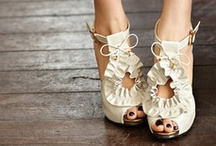 Pretty Shoes / by Emese Szalai