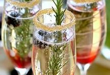 Champagne Love / Our favorite pictures of our favorite drink! #VENUE221 #Cheers #Champagne #PopTheBubbly